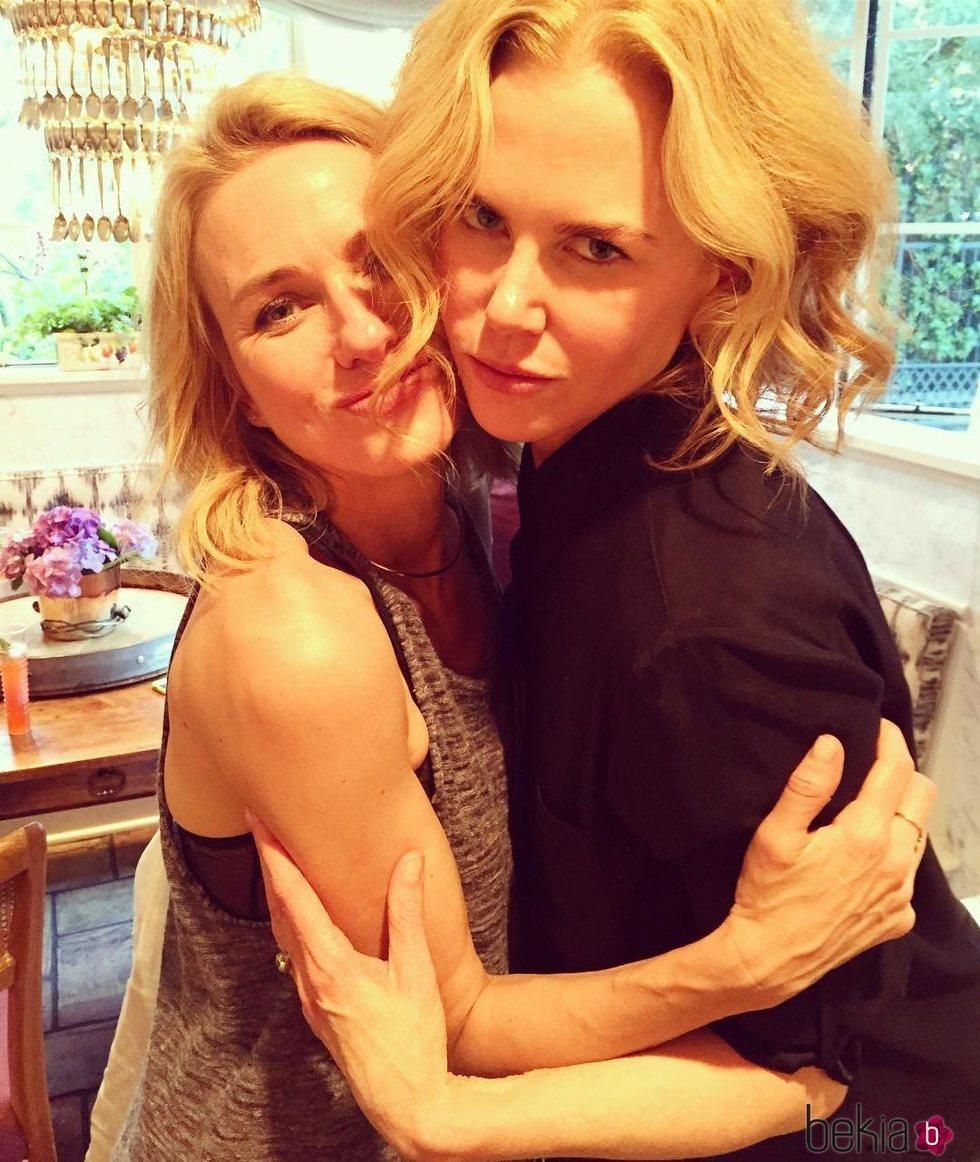Naomi Watts celebra el 50 cumpleaños de Nicole Kidman