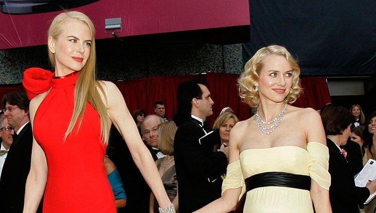 Naomi Watts y Nicole Kidman, de la mano en los Oscars de 2007