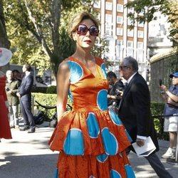 Ágatha Ruiz de la Prada llegando a la boda de Fernando Fitz James-Stuart con Sofía Palazuelo