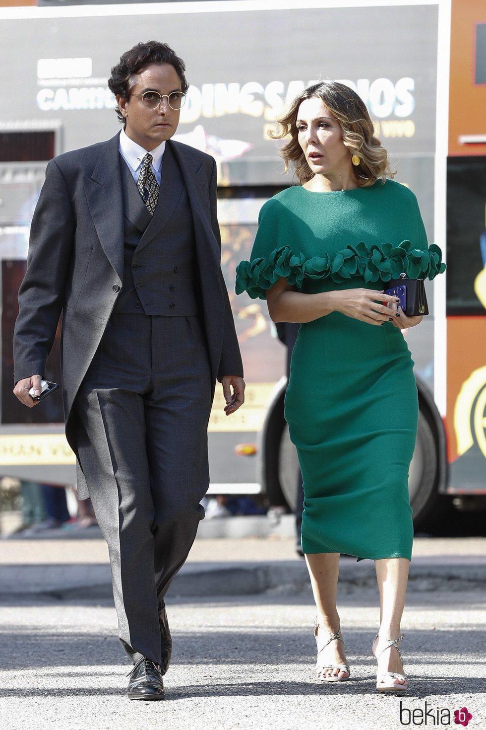 Josie llegando a la boda de Fernando Fitz James-Stuart con Sofía Palazuelo