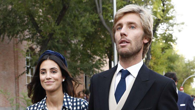 Sassa de Osma y Christian de Hannover llegando a una boda en Madrid
