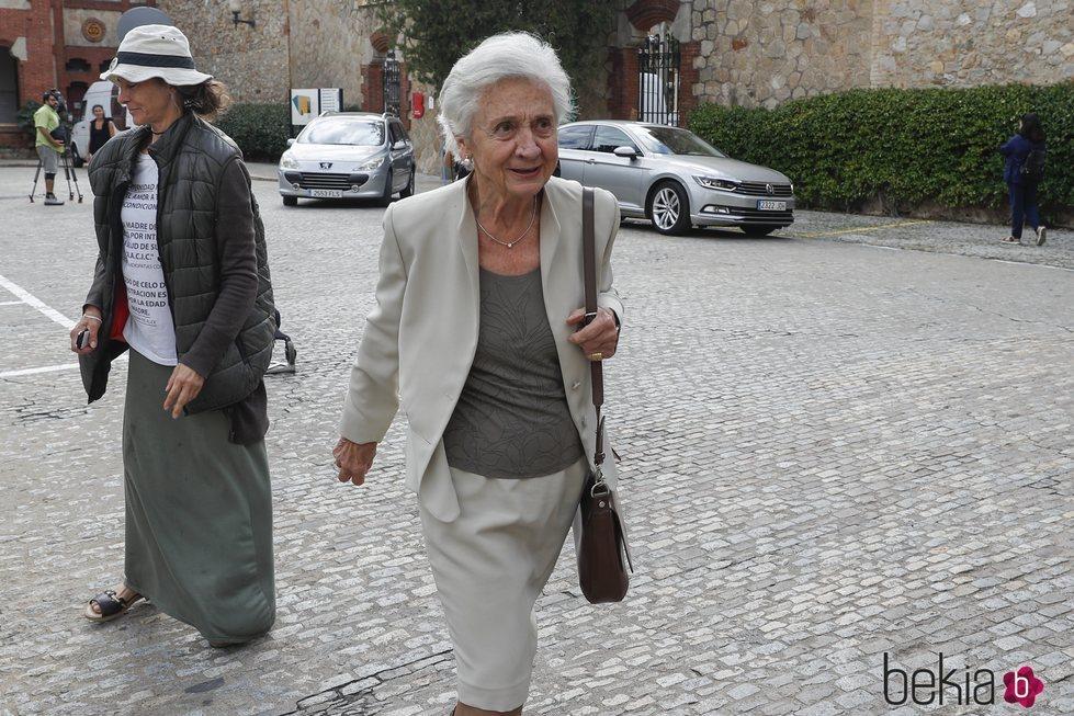 Marta Ferrusola llegando a la capilla ardiente de Montserrat Caballé