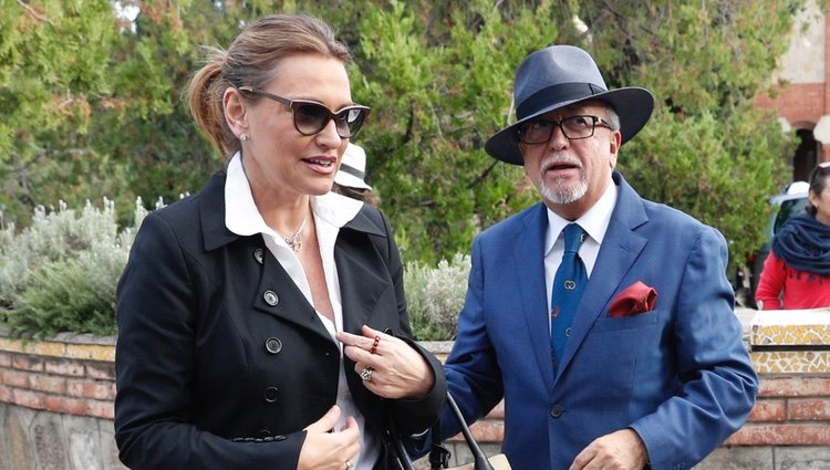 Ainhoa Arteta y Miguel Ángel Tapia llegando a la capilla ardiente de Montserrat Caballé