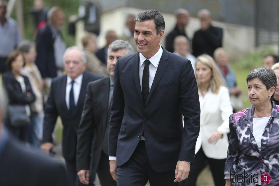 Pedro Sánchez llegando al entierro de Montserrat Caballé