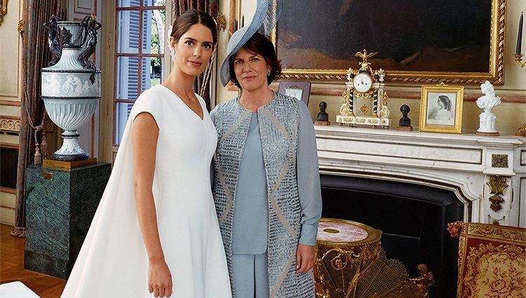 Sofía Palazuelo con su madre, Sofía Barroso, el día de su boda con Fernando Fitz-James Stuart
