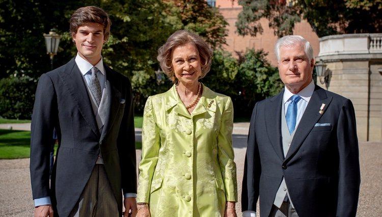 La Reina Sofía con el Duque de Alba y Carlos Fitz-James Stuart en la boda de los Duques de Huéscar
