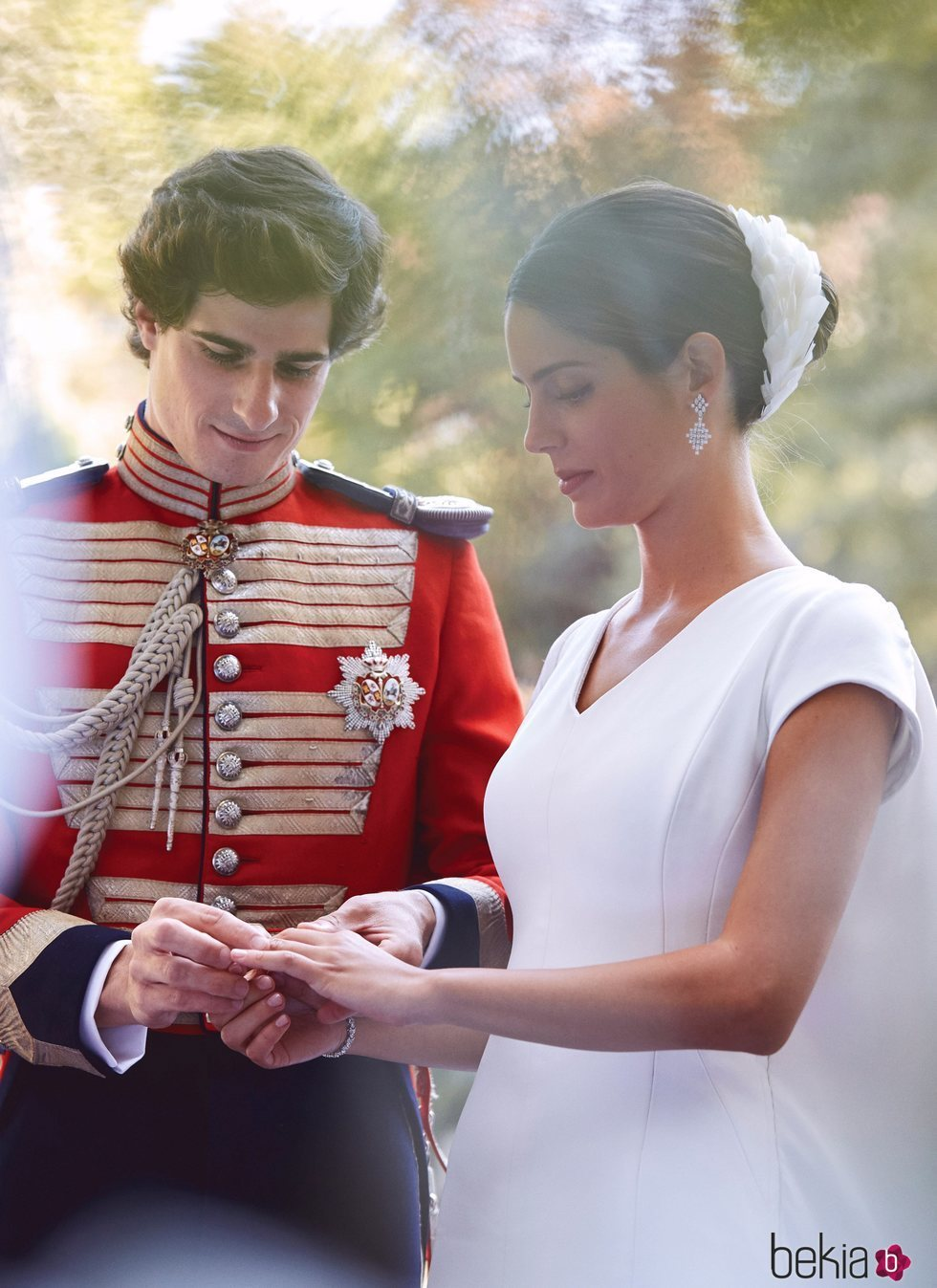 Los Duques de Huéscar se intercambian los anillos en su boda