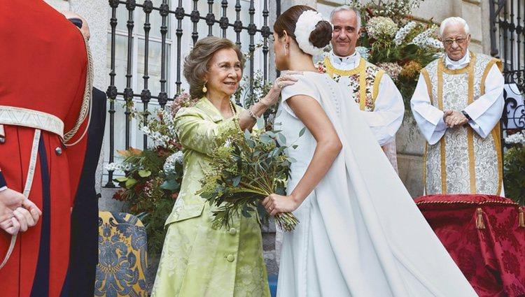 La Reina Sofía felicita a Sofía Palazuelo tras su boda con Fernando Fitz-James Stuart