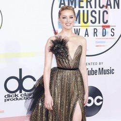 Amber Heard en los American Music Awards 2018