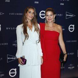 Ona Carbonell y Samantha Vallejo-Nágera en el tributo de Telva a Naty Abascal