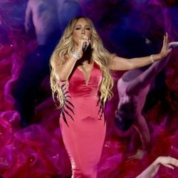 Mariah Carey durante su actuación en los American Music Awards 2018