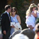 La Princesa Eugenia de York y Jack Brooksban muy cómplices en la boda de Charlie van Straubenzee y Daisy Jenks