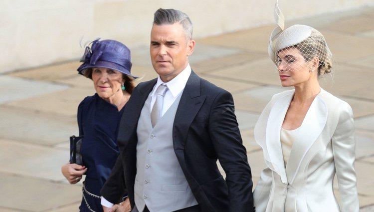 Robbie Williams y Ayda Field en la boda de Eugenia de York y Jack Brooksbank