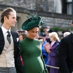 Pippa Middleton luce embarazo junto a James Matthews y James Middleton en la boda de Eugenia de York y Jack Brooksbank