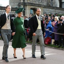 James Middleton, Pippa Middleton y James Matthews en la boda de Eugenia de York y Jack Brooksbank
