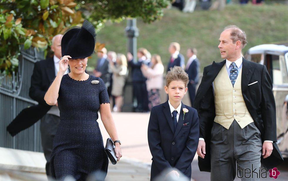 Los Condes de Wessex y James Mountbatten-Windsor en la boda de Eugenia de York y Jack Brooksbank