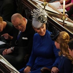 Autumn Kelly, Zara Phillips y Mike Tindall en la boda de Eugenia de York y Jack Brooksbank