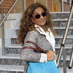Lolita Flores llegando al hospital para conocer a su nieto Noah