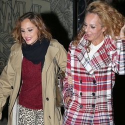 Rocío Carrasco y la cantante Anabel Dueñas por las calles de Madrid