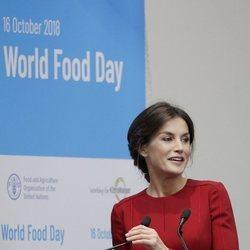 La Reina Letizia dando un discurso en el Día Mundial de la Alimentación