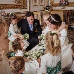Eugenia de York y Jack Brooksbank, muy felices con sus pajes y damas en su boda