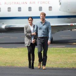El Príncipe Harry y Meghan Markle, cogidos de la mano en Dubbo