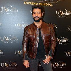 Antonio Velázquez en el estreno del musical de 'El médico' en Madrid
