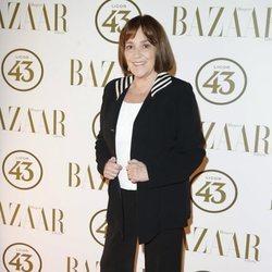 Carmen Maura en la alfombra roja de los Premios Harper's Bazaar Actitud 43 2018