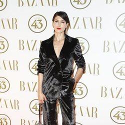 Nerea Barros en la alfombra roja de los Premios Harper's Bazaar Actitud 43 2018