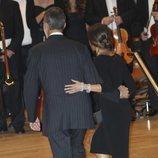 Los Reyes Felipe y Letizia, muy enamorados en el Concierto Premios Princesa de Asturias 2018