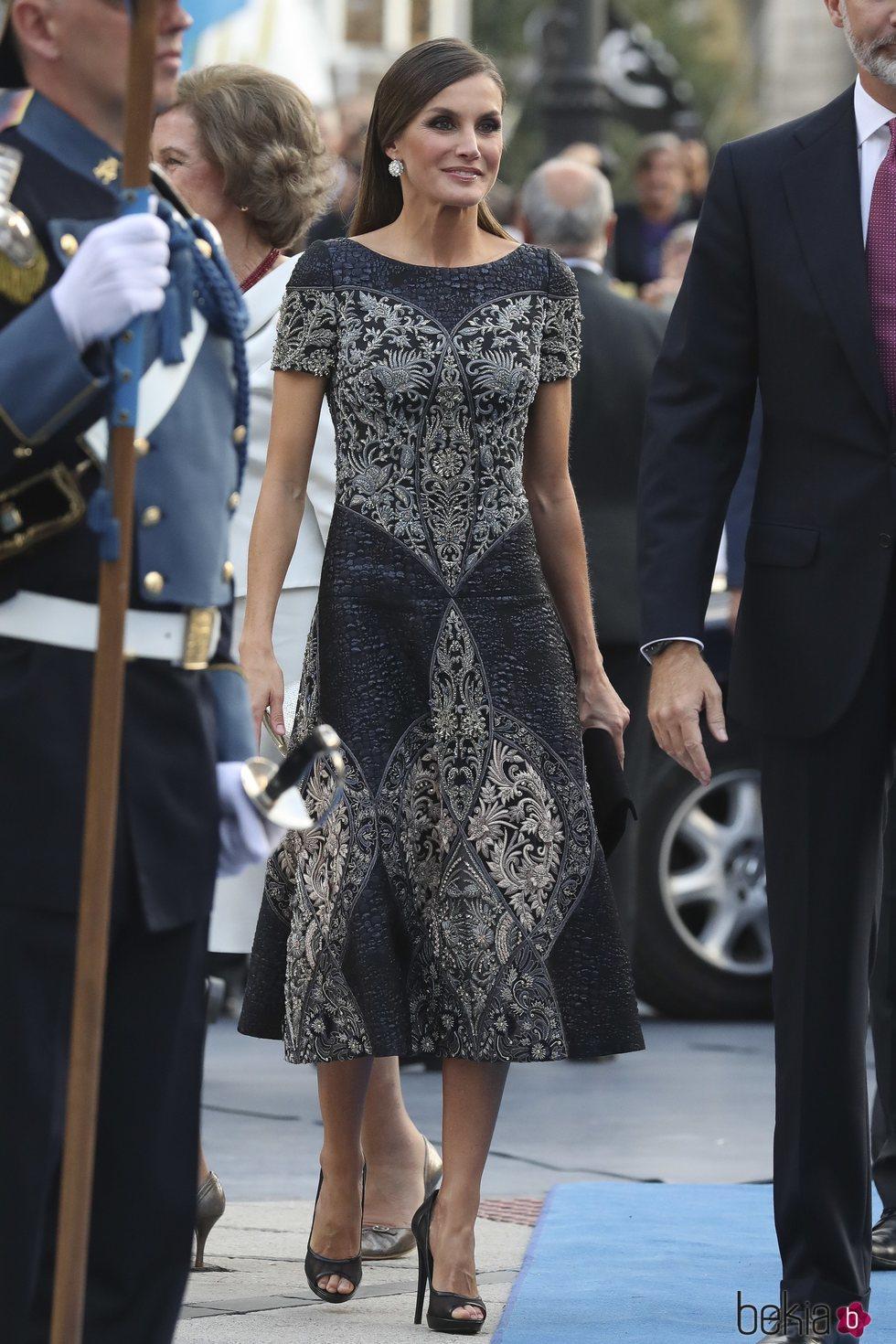 El look de la princesa Letizia en los premios Príncipe de