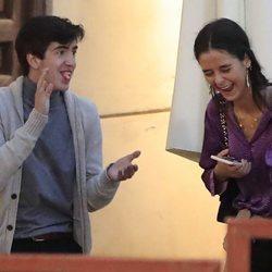 Victoria Federica riéndose con un amigo
