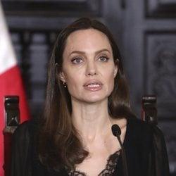 Angelina Jolie en Perú para ayudar a los refugiados venezolanos