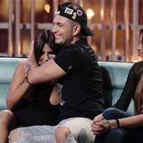 Omar Montes y Chabelita Pantoja se abrazan en la gala 7 de 'GH VIP 6'