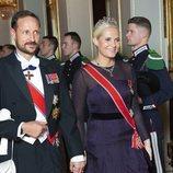 El Príncipe Haakon y la Princesa Mette-Marit en una cena oficial en el Palacio Real