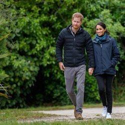 Los Duques de Sussex pasean por el Parque Nacional Abel Tasman en Nueva Zelanda