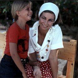 La Reina Sofía y la Infanta Cristina cuando era pequeña