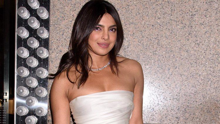 Priyanka Chopra con el vestido de Marchesa para su despedida de soltera