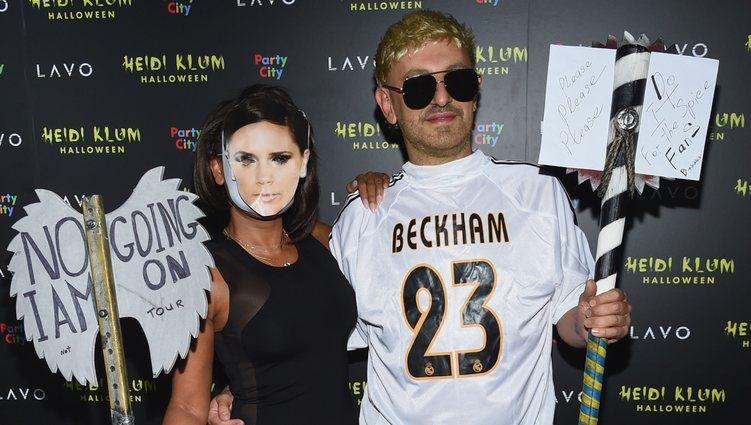 Mel B y Gary Madatyan disfrazados de los Beckham en la fiesta de Halloween 2018 de Heidi Klum
