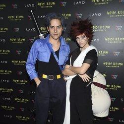 Dylan Sprouse y Barbara Palvin en la fiesta de Halloween 2018 de Heidi Klum