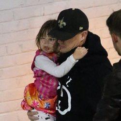 Channing Tatum y su hija a la salida de un concierto