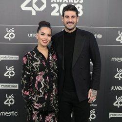 Melendi y su pareja Julia Nakamatsu en Los 40 Music Awards 2018
