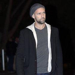 Gonzalo Miró llegando a la capilla ardiente de Álvaro de Luna
