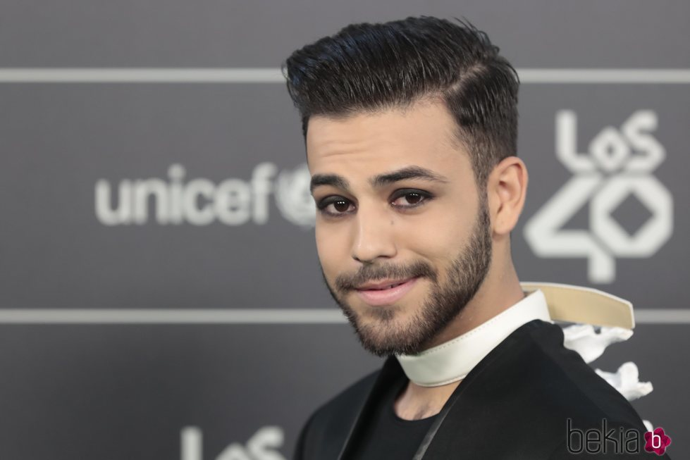 Agoney en la alfombra verde de Los 40 Music Awards 2018