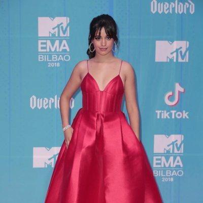 Camila Cabello en la alfombra de los MTV EMAs 2018 de Bilbao