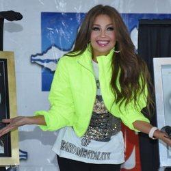 Thalía en su firma de discos