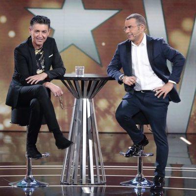 Jorge Javier Vázquez con Ángel Garó en el plató de 'GH VIP 6' en la gala 9