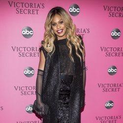 Laverne Cox en la alfombra rosa del Victoria's Secret Fashion Show 2018