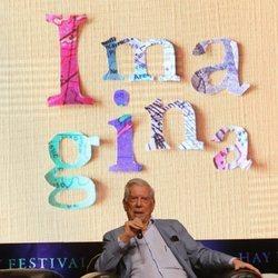Mario Vargas Llosa durante su coloquio en 'Hay Festival'