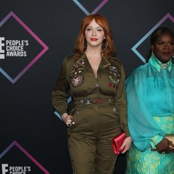 Christina Hendricks en la alfombra roja de los People's Choice Awards 2018